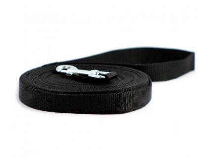 Lehoučké stopovací vodítko pro psy z plochého nylonu s pochromovanou karabinou. Délka 8 m, šířka popruhu 20 mm, karabina 6,5 cm, barva černá.