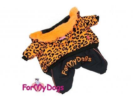 Obleček pro fenky – zimní overal od For My Dogs z voduodpuzujícího materiálu s teplou plyšovou podšívkou. Zapíná se na druky na bříšku.