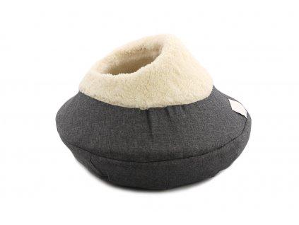 Originálně tvarovaný pelíšek pro kočky vykládaný huňatou kožešinkou, který si vaše kočka zamiluje. Výška pelíšku 30 cm, průměr 45 cm.