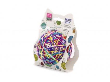 Nepostradatelná hračka pro všechny kočky – barevné klubko vlny. Lehké polystyrenové jádro s rolničkou obalené bavlnou, průměr klubka cca 10 cm.