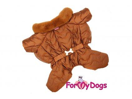 Obleček pro psy – teplý zimní overal COGNAC od ForMyDogs z voduodpuzujícího materiálu s hedvábnou podšívkou. Zapínání na druky na bříšku, barva hnědá.