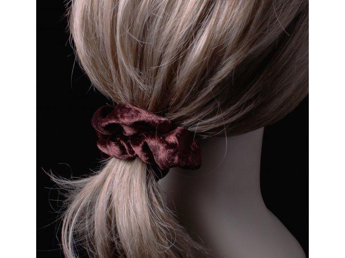 Sametová gumička na vlasy, scrunchie