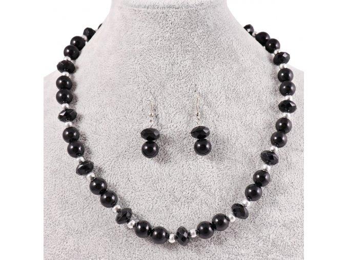 Černý náhrdelník a naušnice