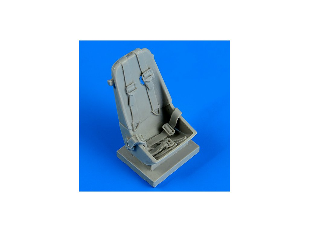 1/32 Me 163B seat with safety belts (MENG)