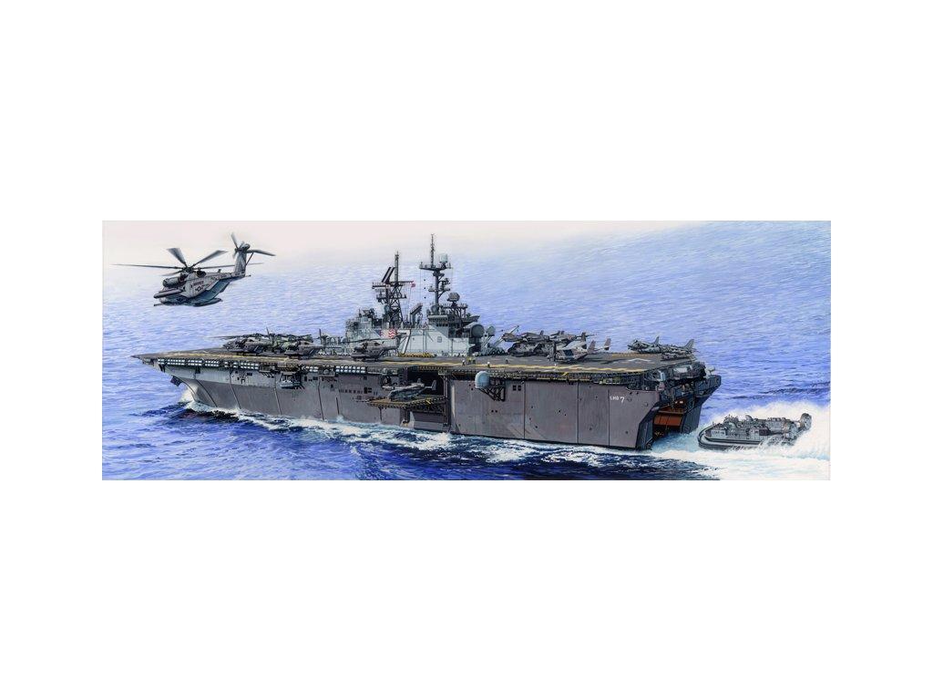 05615 USS IWO JIMA LHD 7