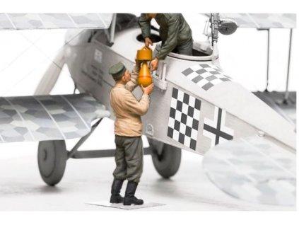 F32 005 German aerodrome personnel Bomb loading team