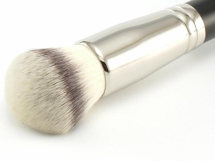 Štětec na minerální make-up
