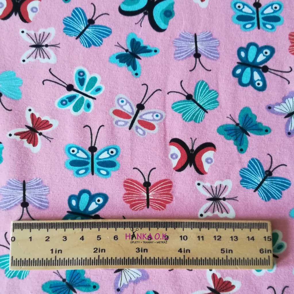 úplet motýlci