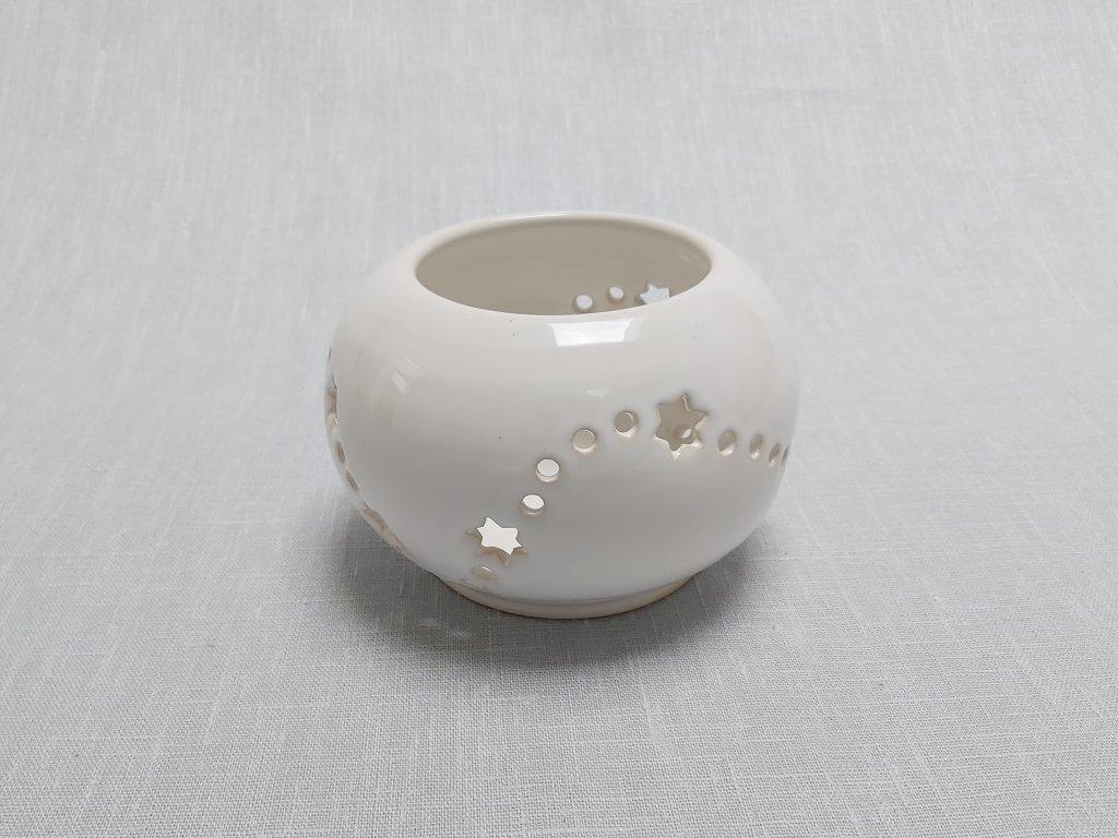 prořezávaný keramický svícen