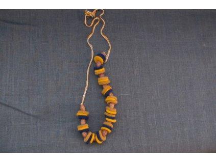 náhrdelník z plstěných koleček