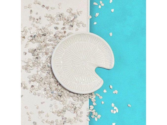 bílá kulatá mýdlenka (2)