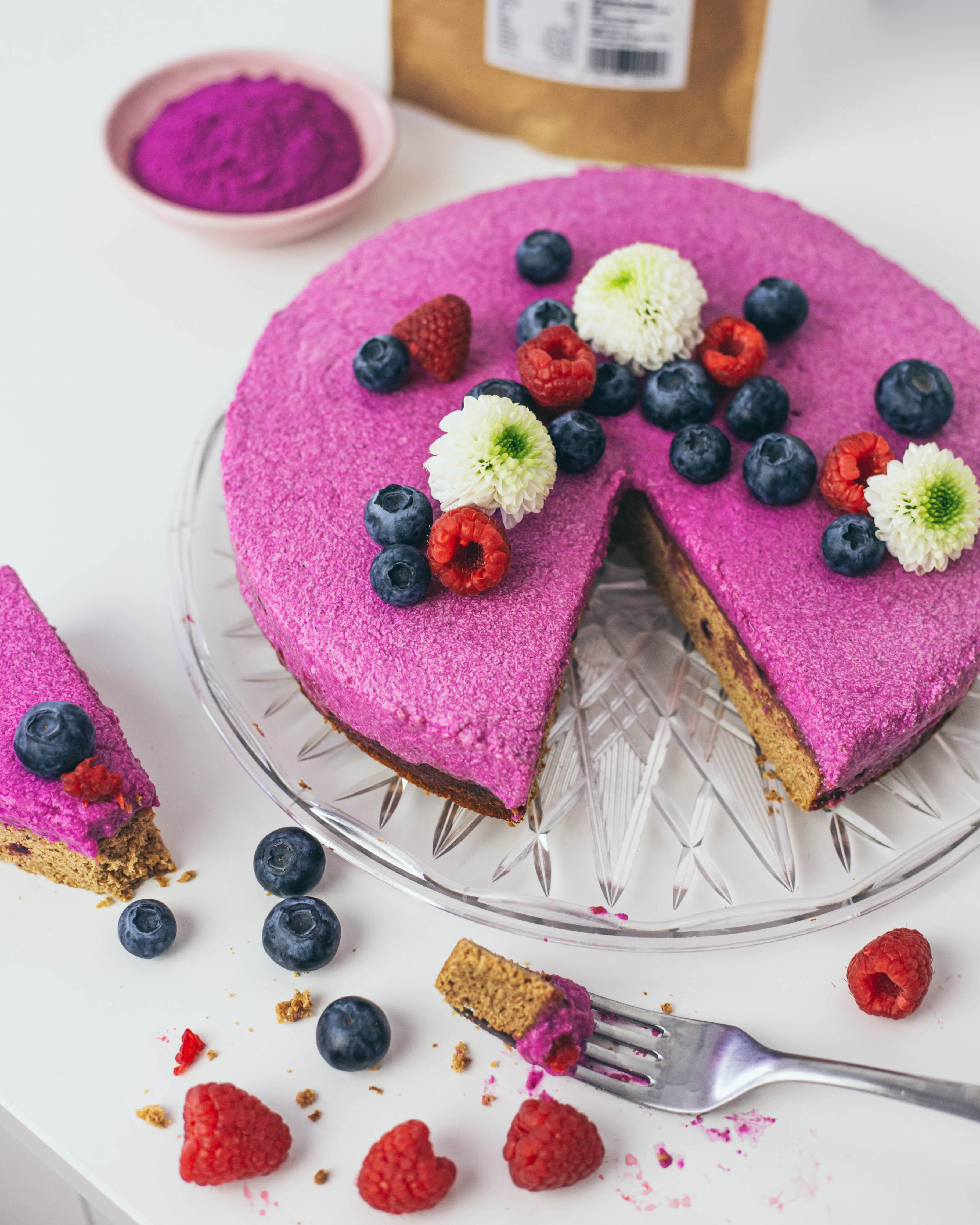 Pitaya cake