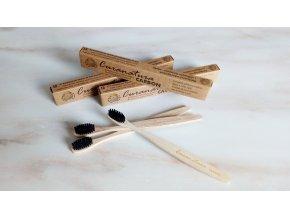 curanatura zubni kartacek z bambusu s bambusovymi vlakny a s mikrocasticemi atktivniho uhli beleni zubu zelenadomacnost