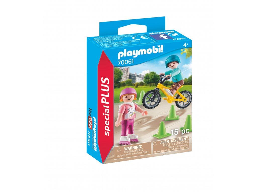Playmobil děti s kolečkovými bruslemi a kolem