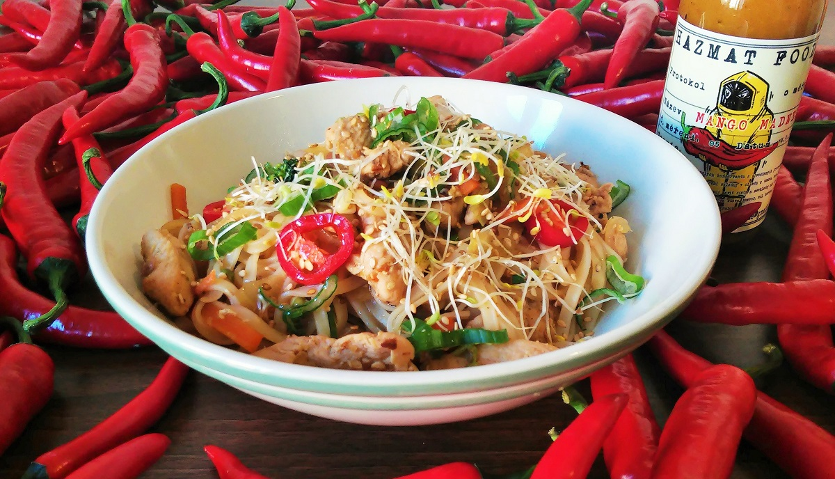 Stir-fry s rýžovými nudlemi a chilli omáčkou Mango Madness