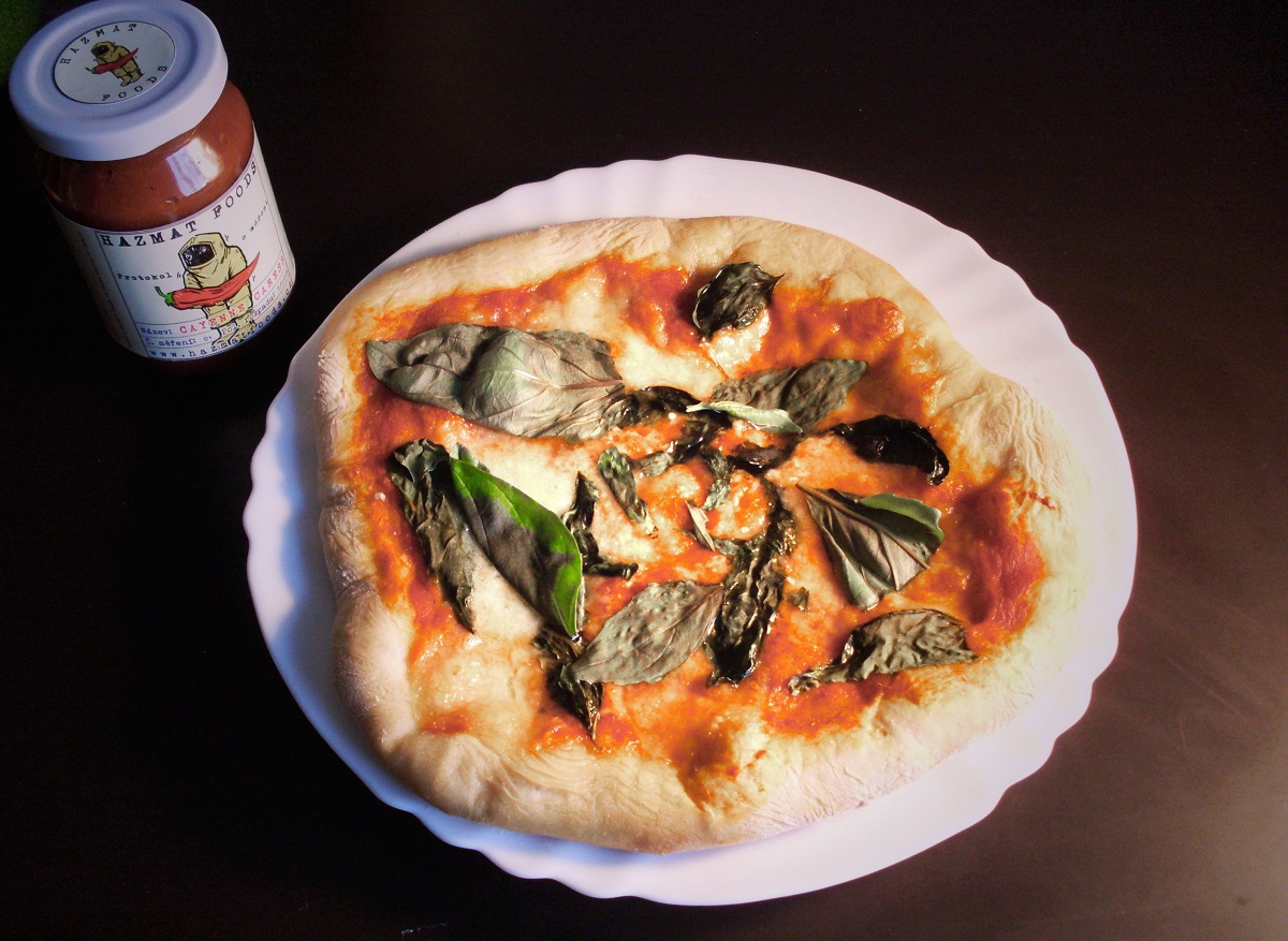 Pizza margherita s Cayenne Caress