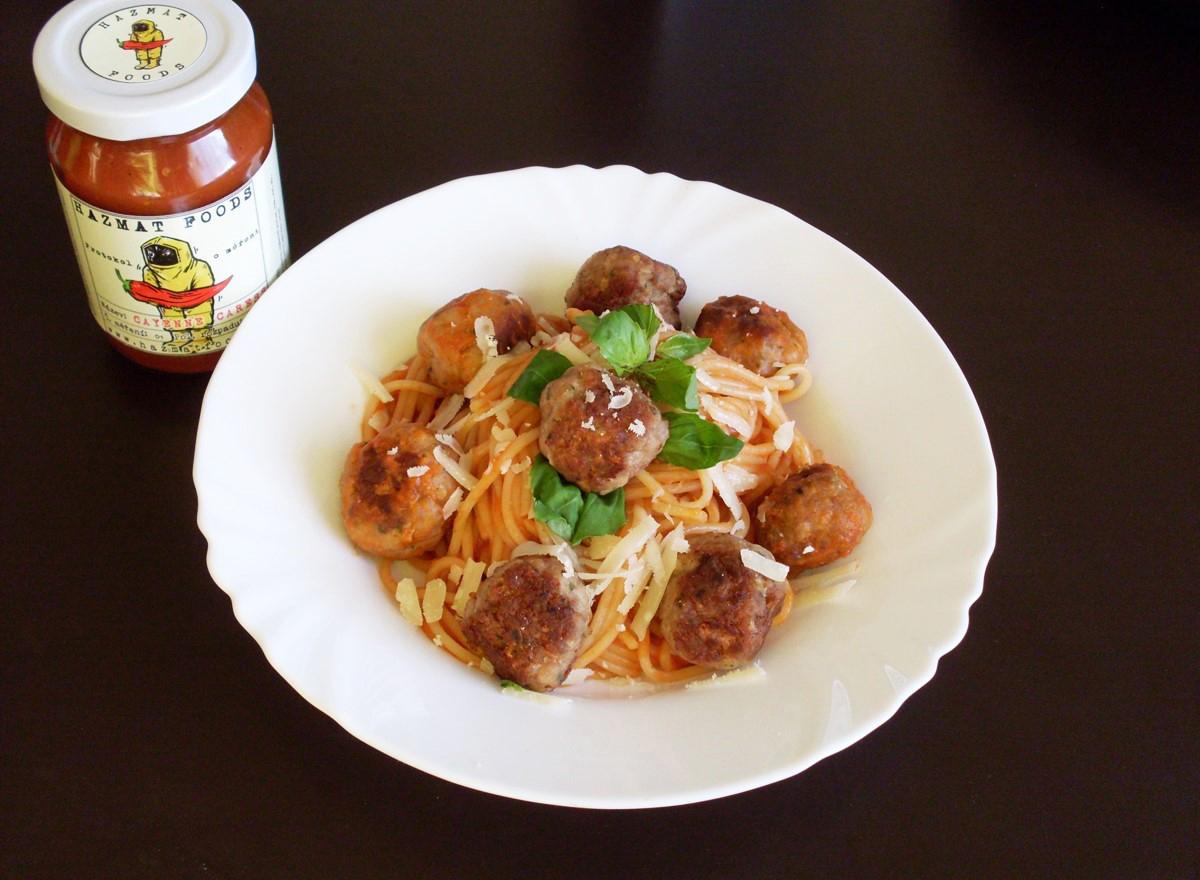 Spaghetti & meatballs s Cayenne Caress