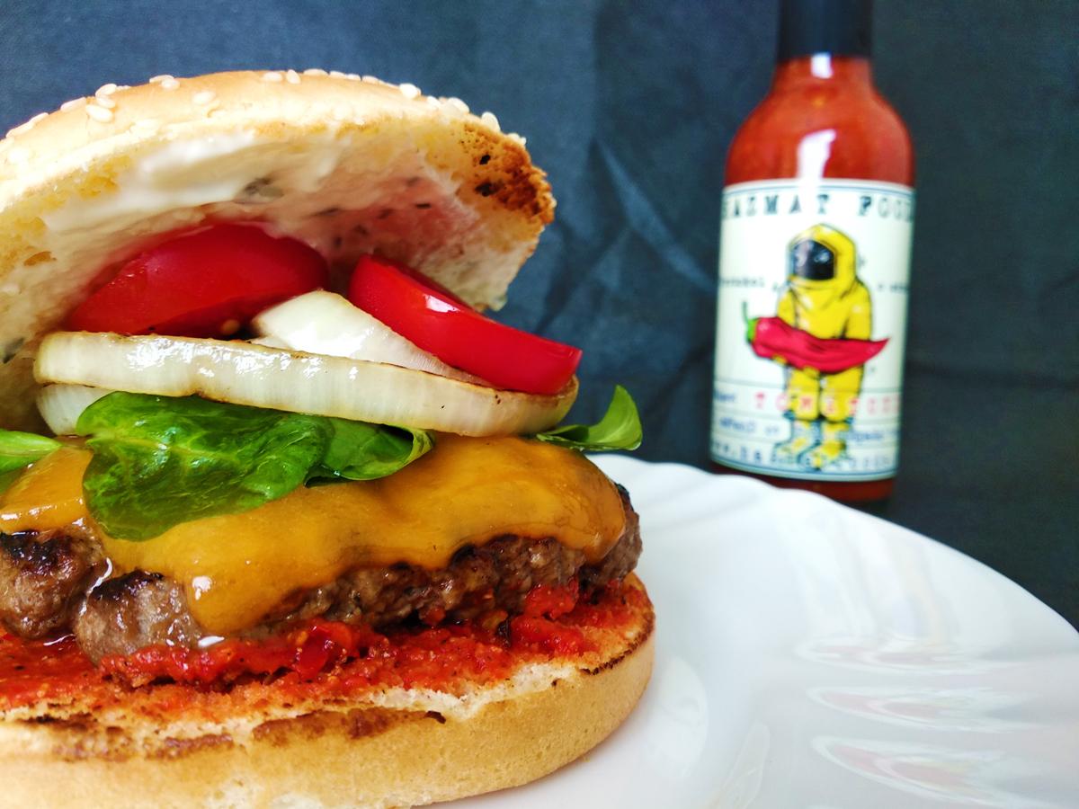 Cheeseburger s Tomatoxinem