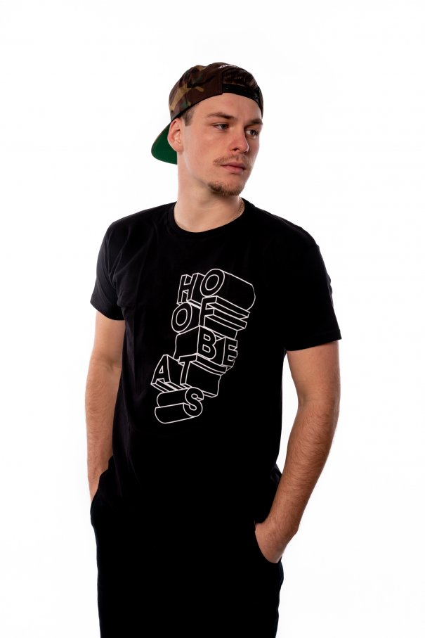 Černé triko Hoofbeats typografie
