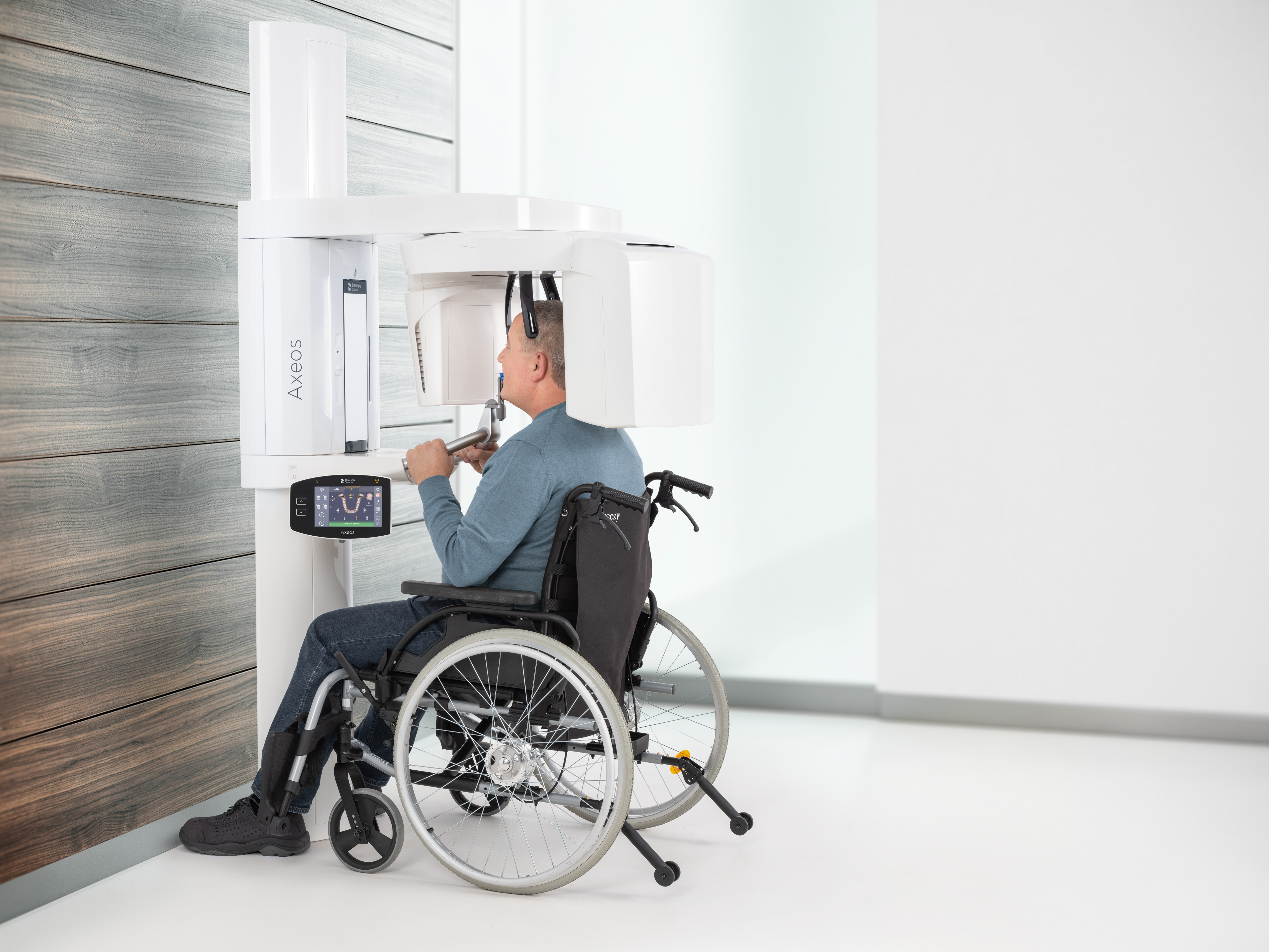 IMG-Image-Axeos-Positioning-Wheelchair-03