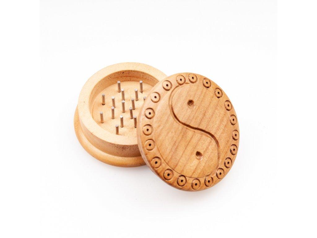 Drtička dřevo kulatá Jin Jang 5,5 cm 2-dílná