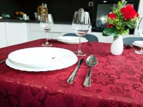 Ubrus Odaska krajka vínová (Rozměr ubrusu 160x180)