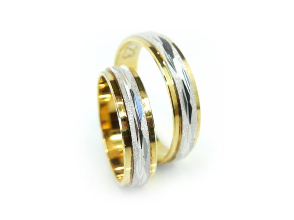 2996 1 zlate snubni prsteny