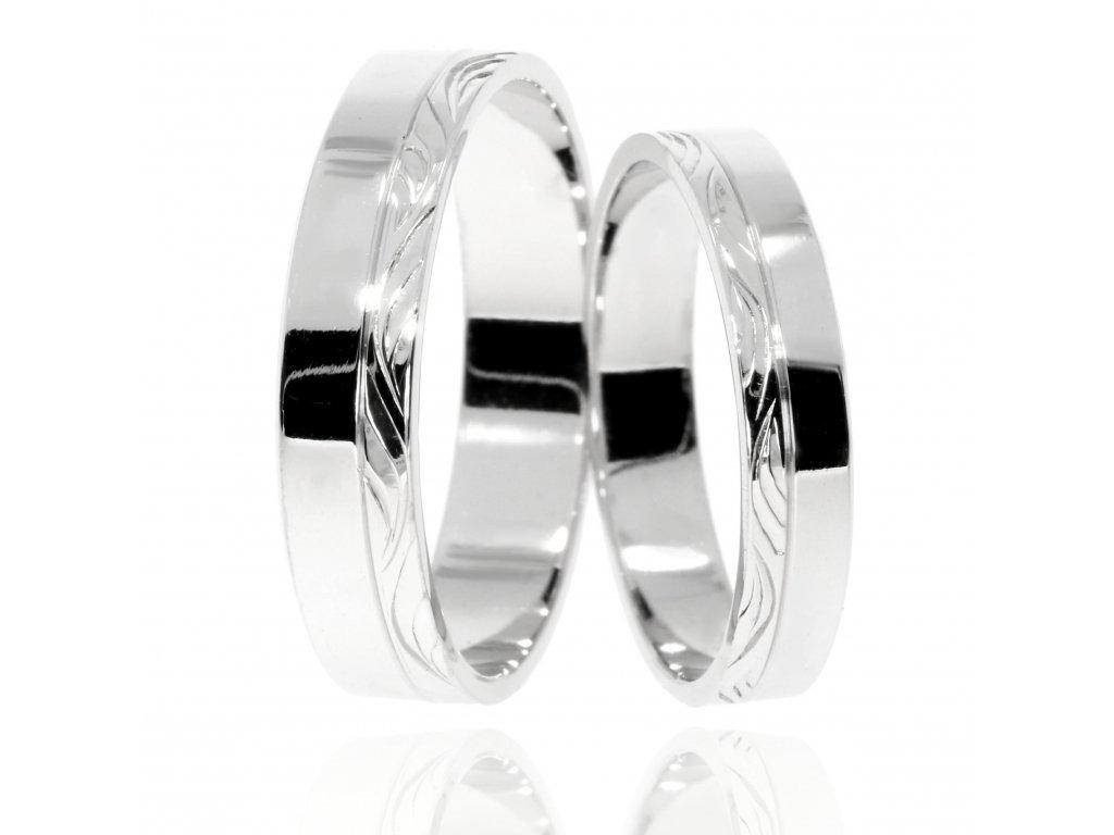 3062 1 zlate snubni prsteny