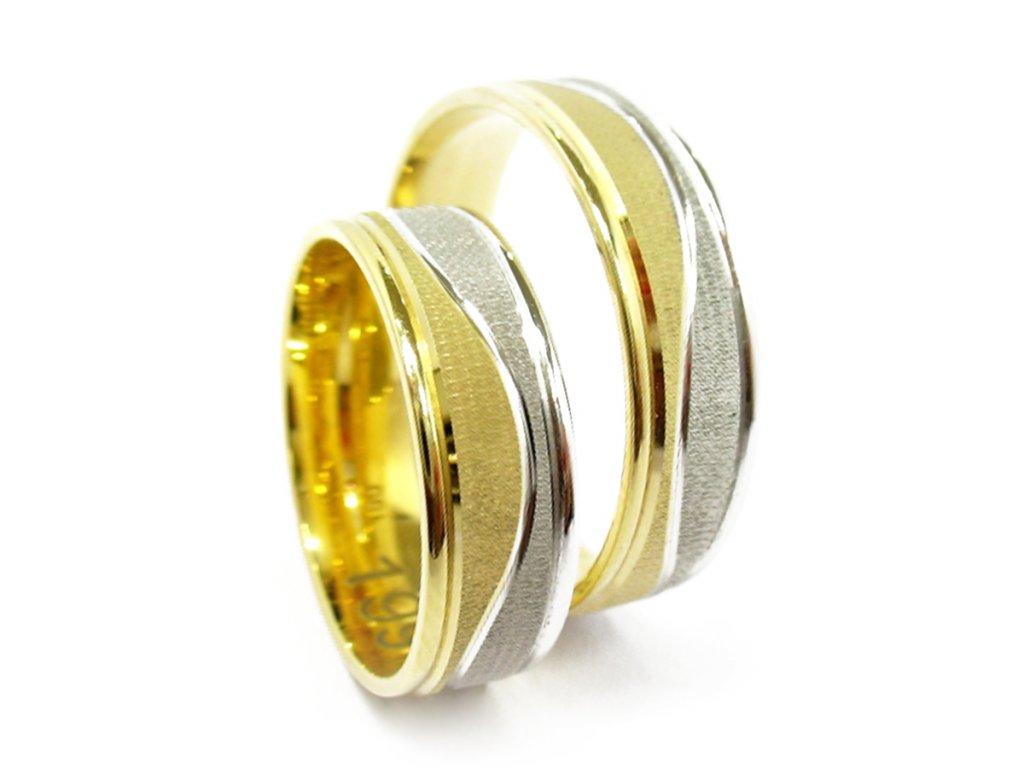 3296 2 zlate snubni prsteny