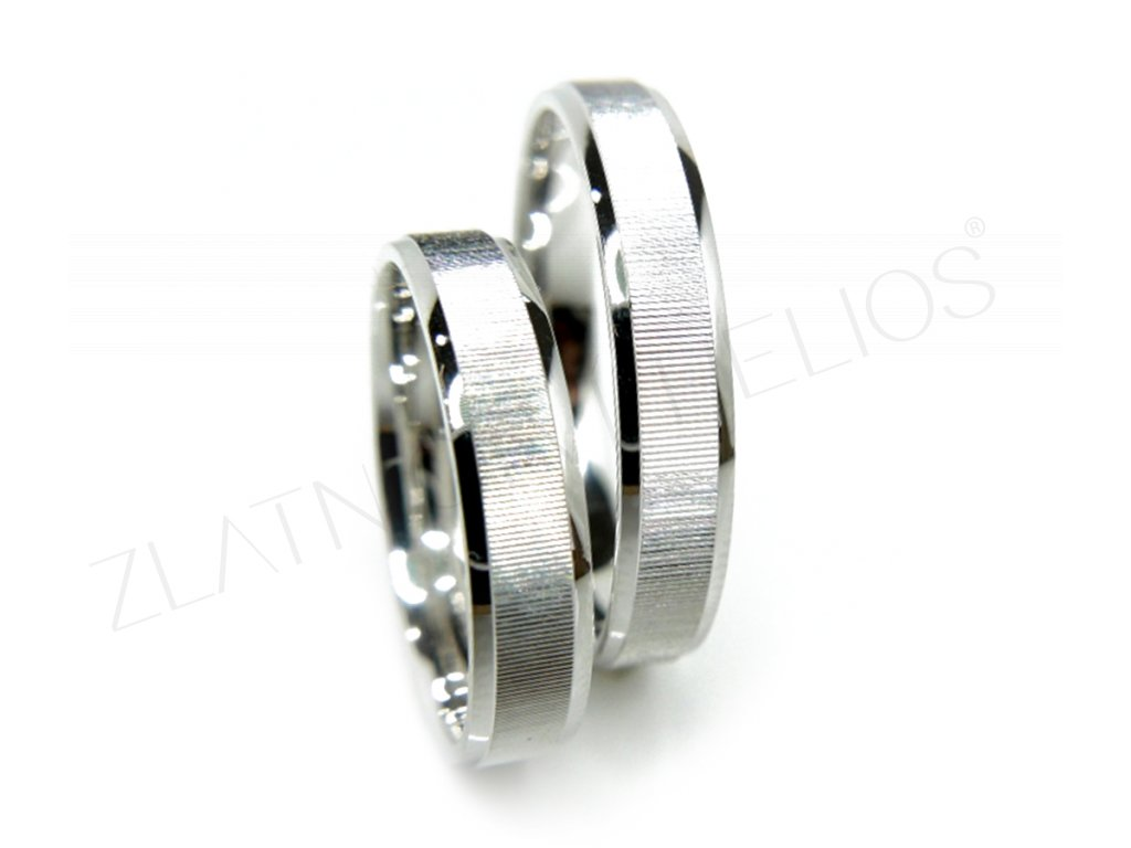 3584 1 zlate snubni prsteny