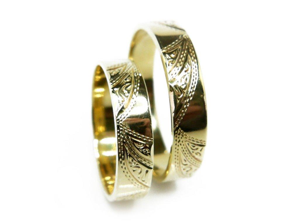 3647 1 zlate snubni prsteny