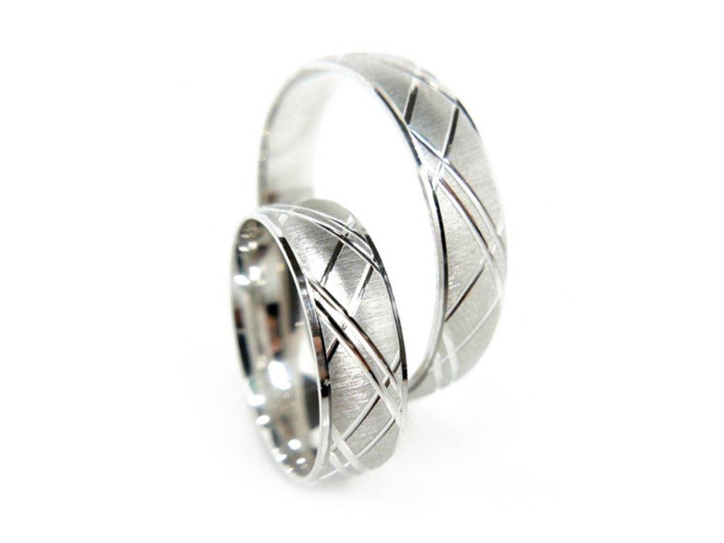3764 1 zlate snubni prsteny