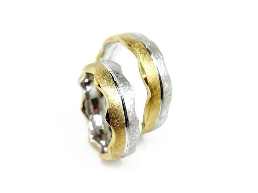 3953 1 zlate snubni prsteny