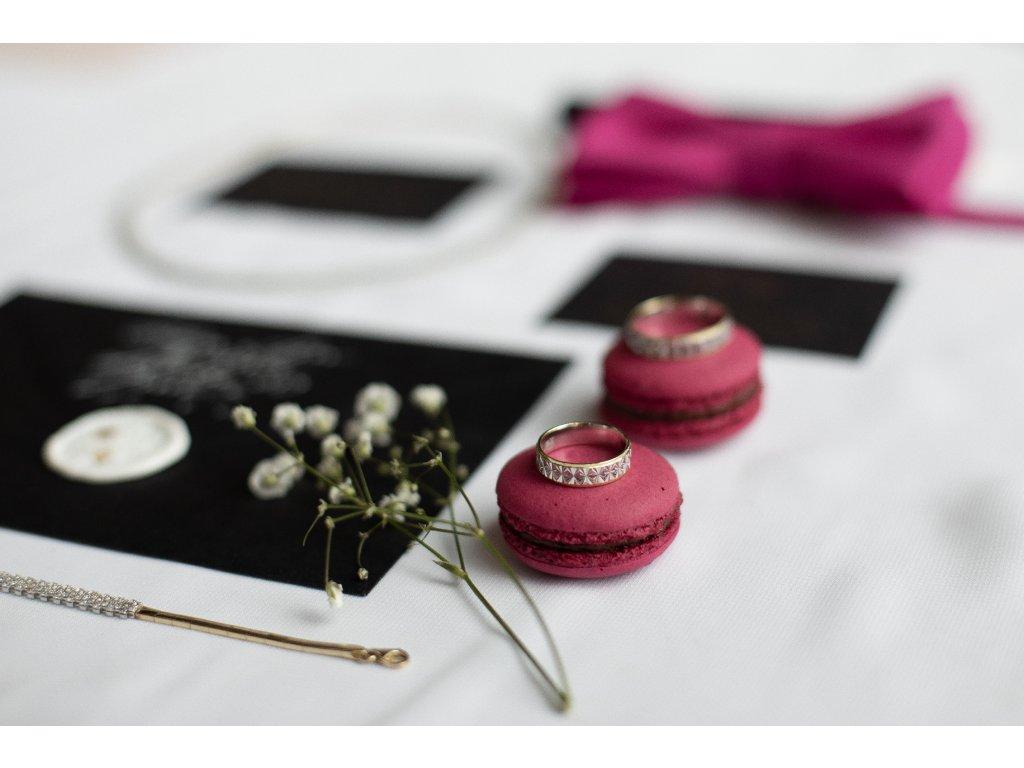 4553 2 zlate snubni prsteny