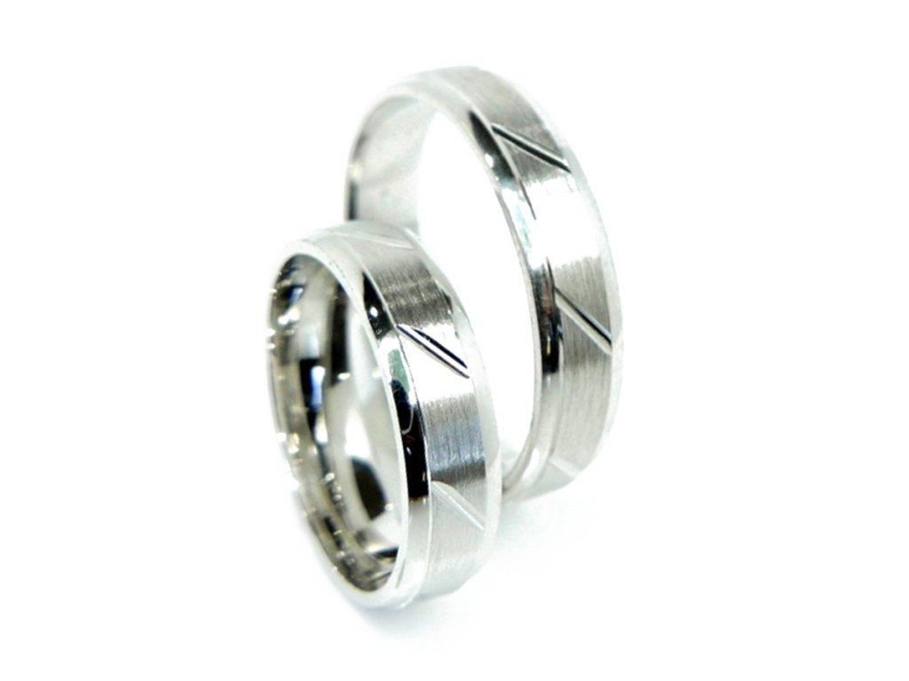 4847 3 zlate snubni prsteny