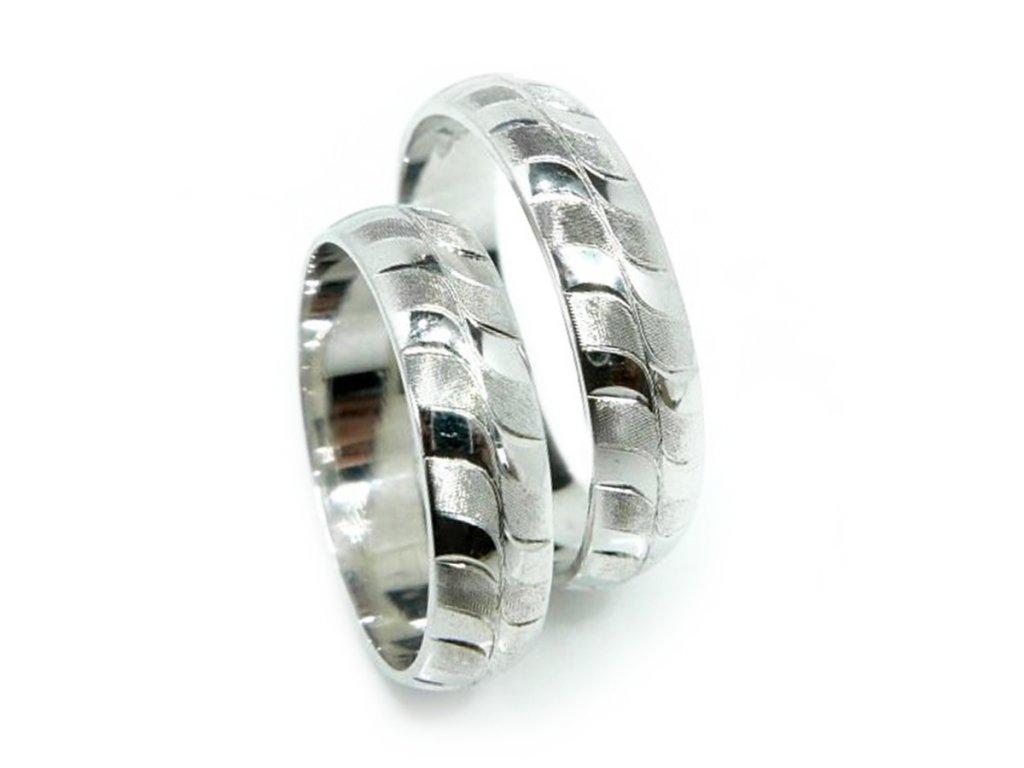 5048 1 zlate snubni prsteny