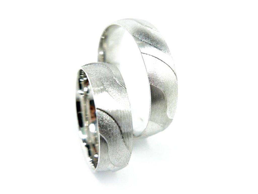 5144 1 zlate snubni prsteny