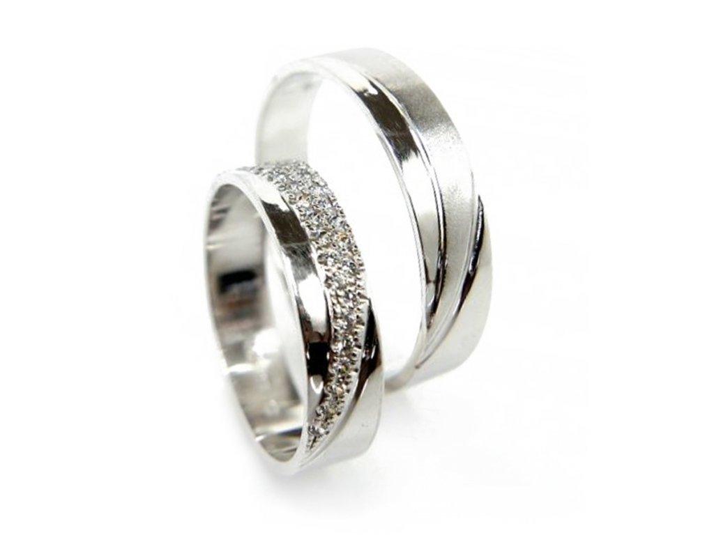 5630 1 zlate snubni prsteny