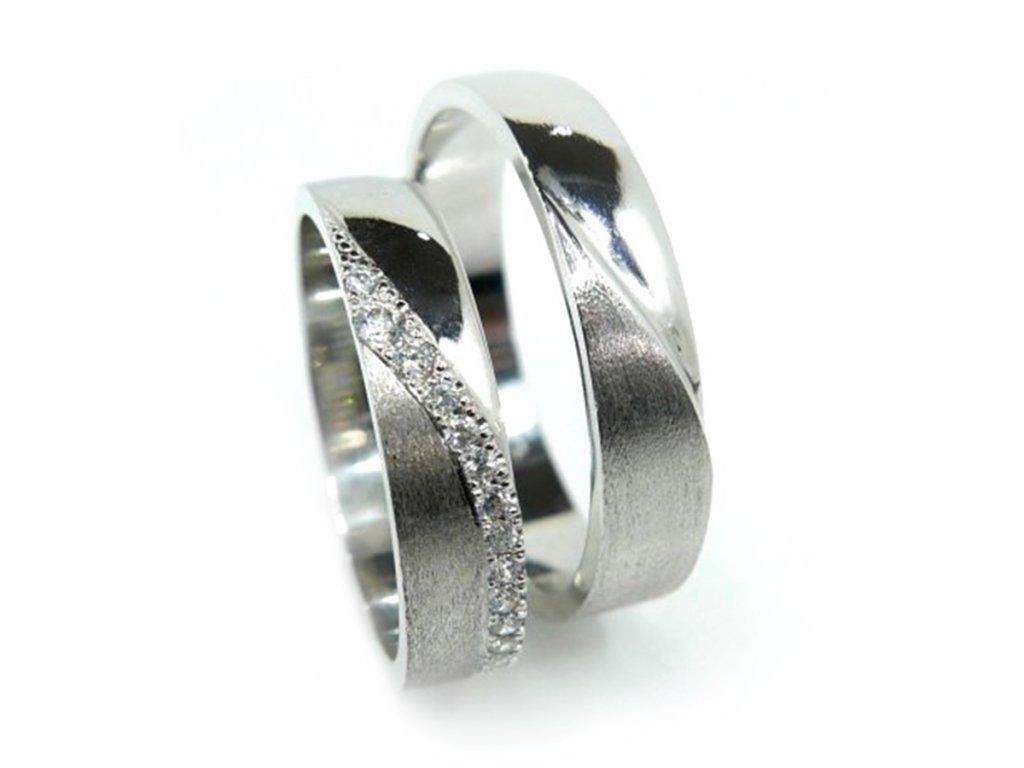 5516 1 zlate snubni prsteny