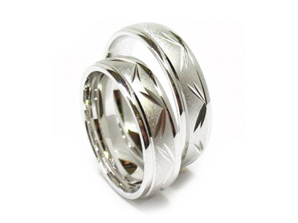 5258 1 zlate snubni prsteny