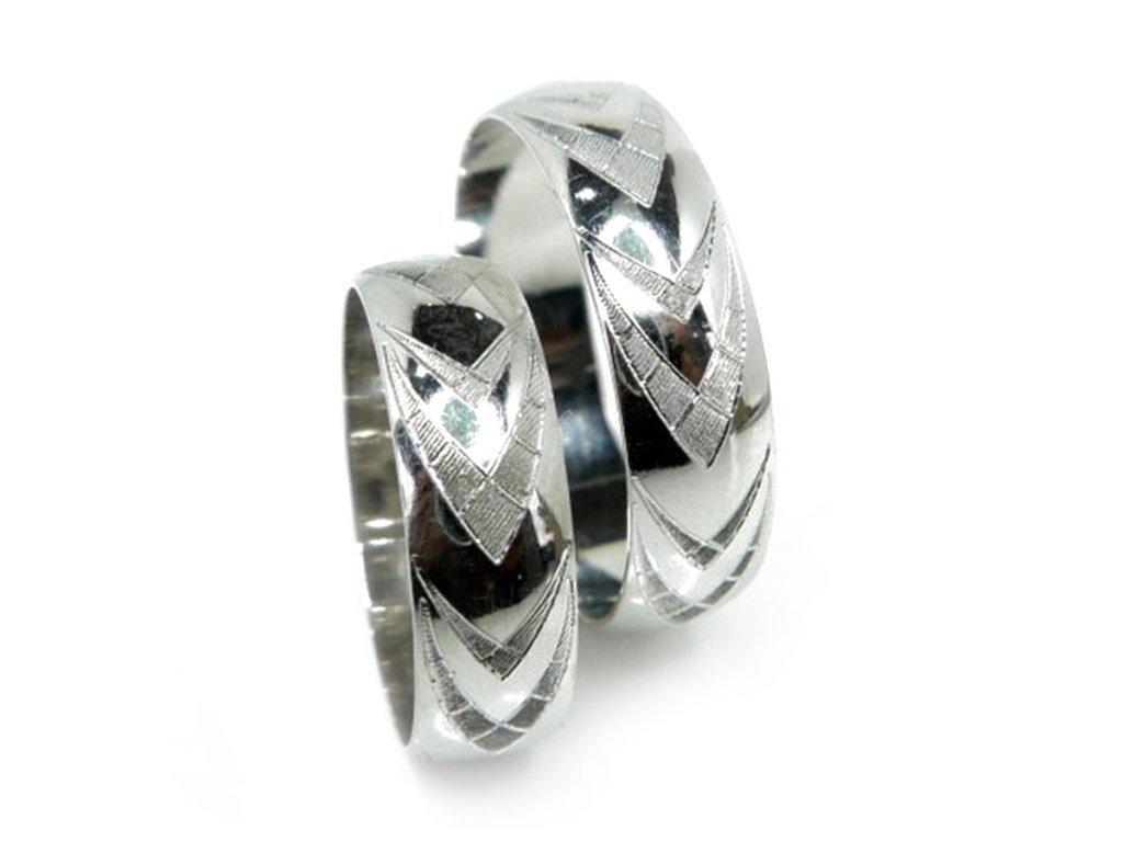 5045 1 zlate snubni prsteny 1
