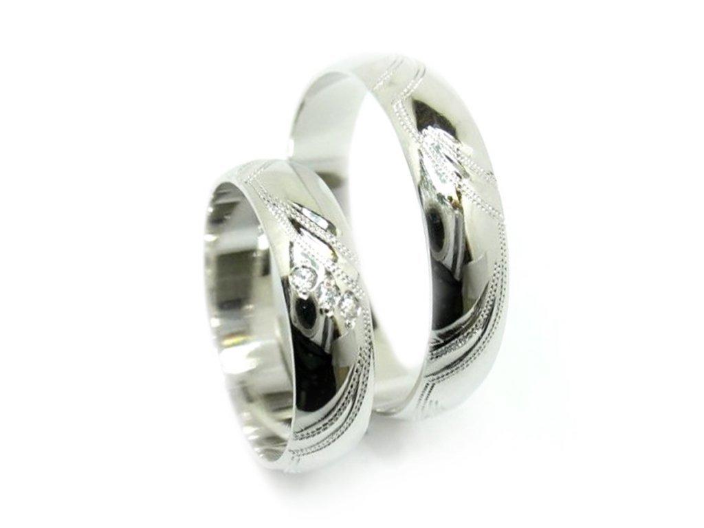 4835 1 zlate snubni prsteny