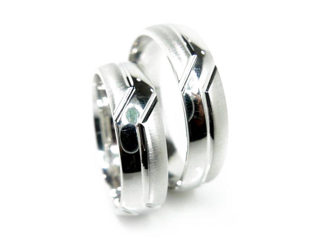 4817 1 zlate snubni prsteny