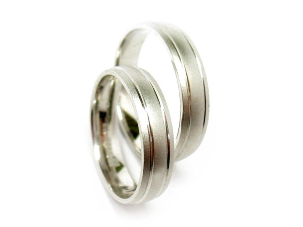3785 1 zlate snubni prsteny