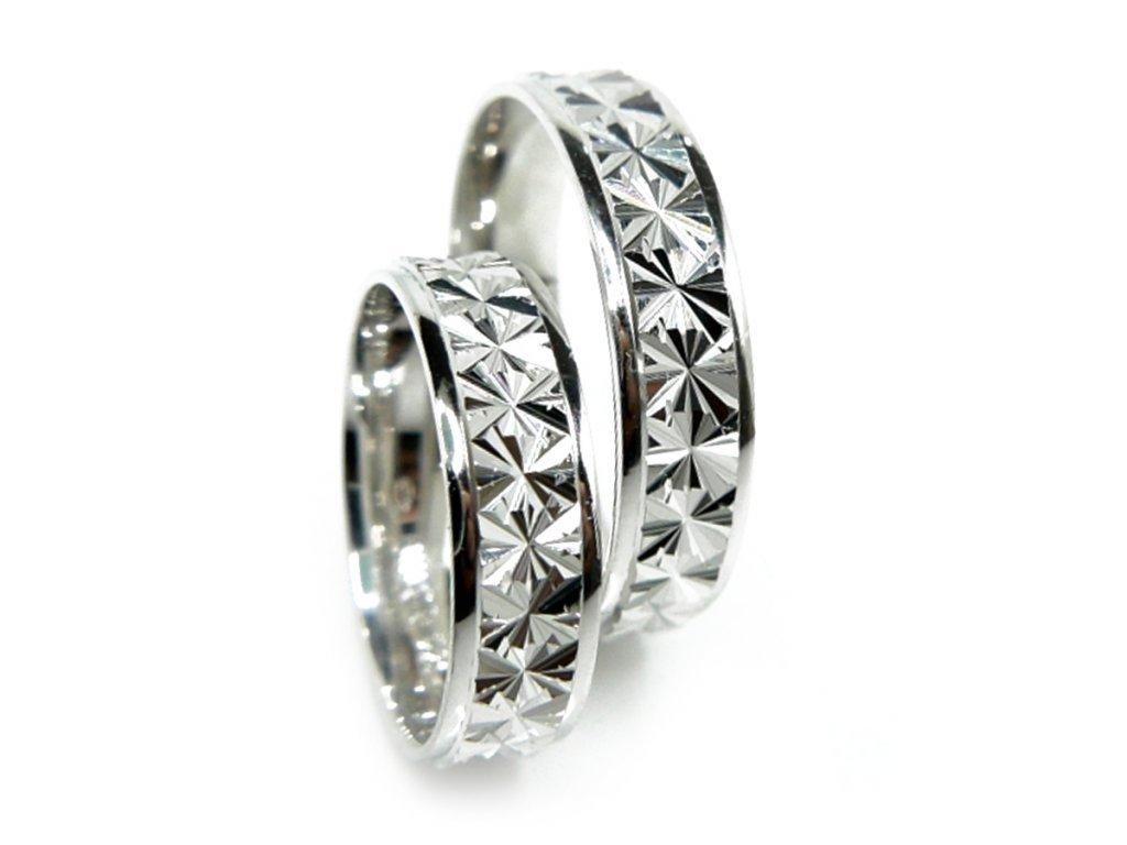 3632 1 zlate snubni prsteny