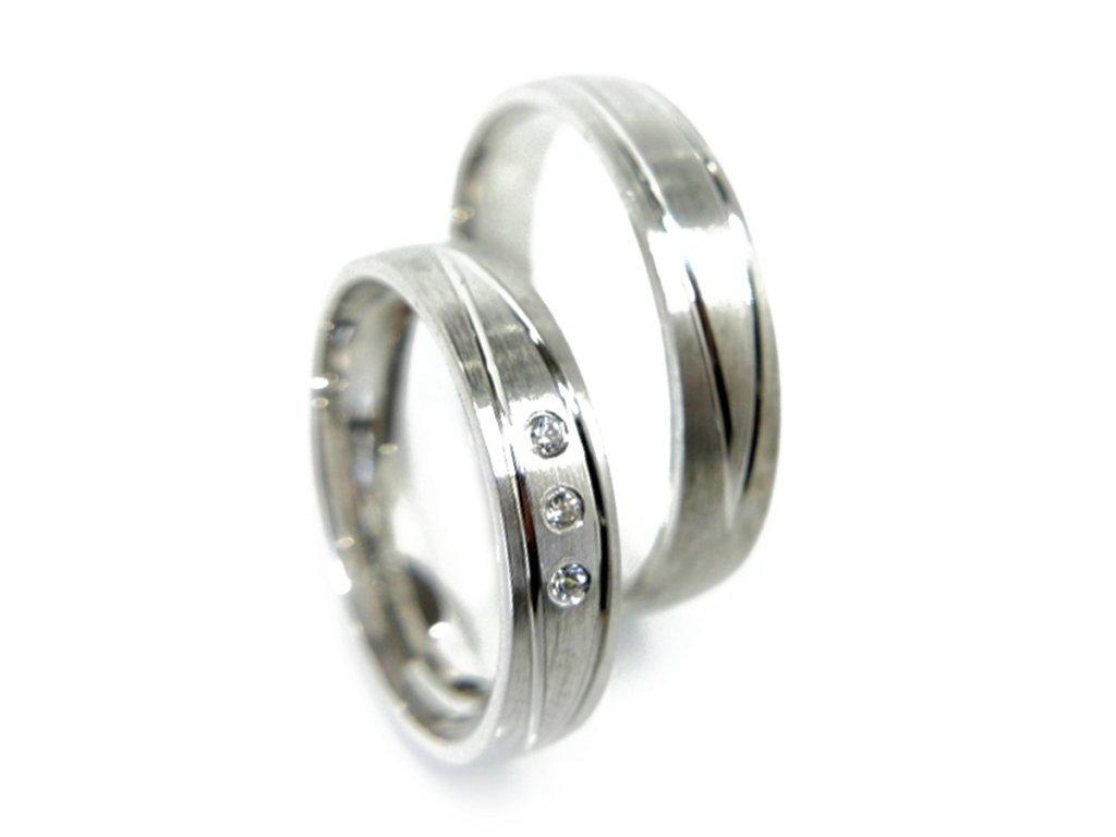 3449 1 zlate snubni prsteny