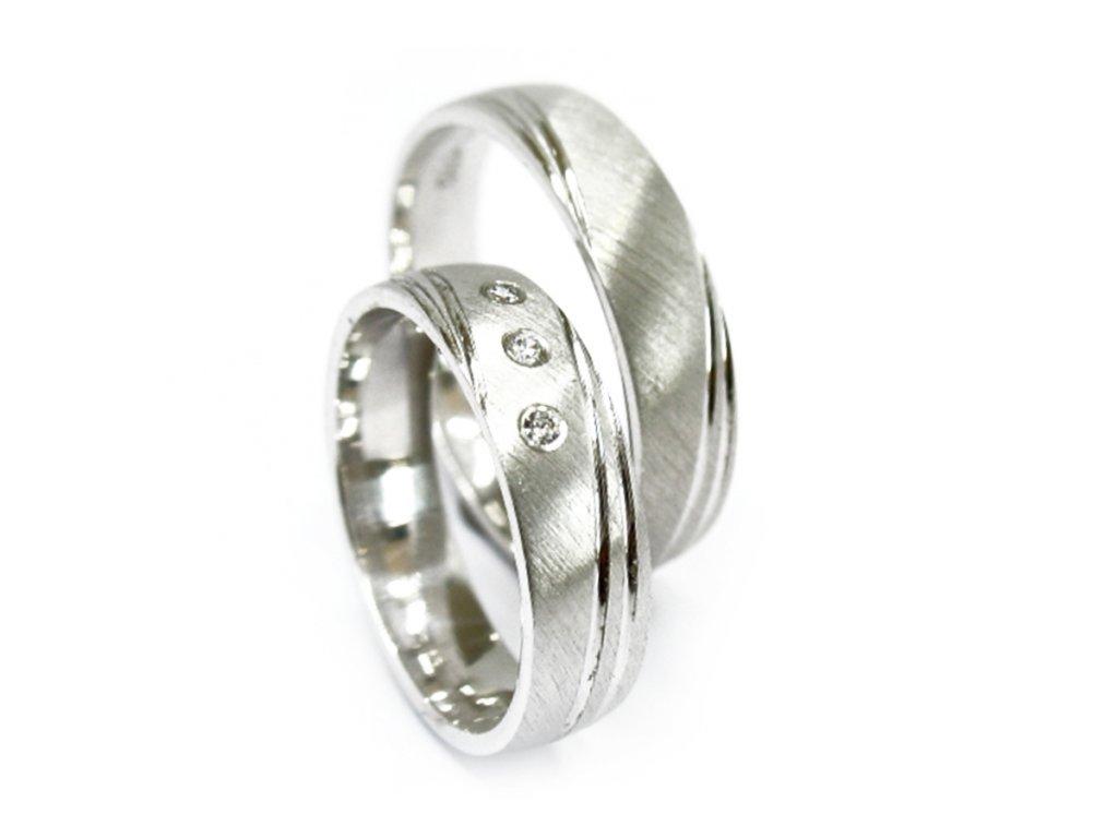 3326 1 zlate snubni prsteny