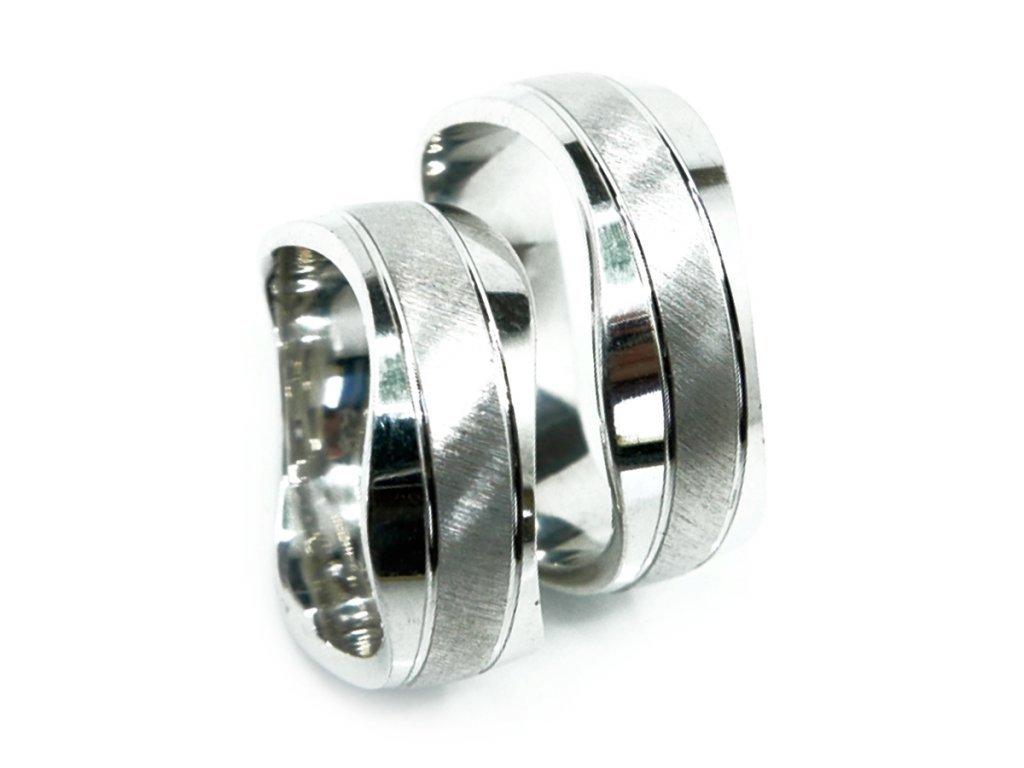 3257 1 zlate snubni prsteny