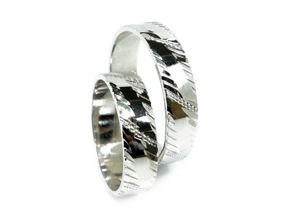 3056 1 zlate snubni prsteny