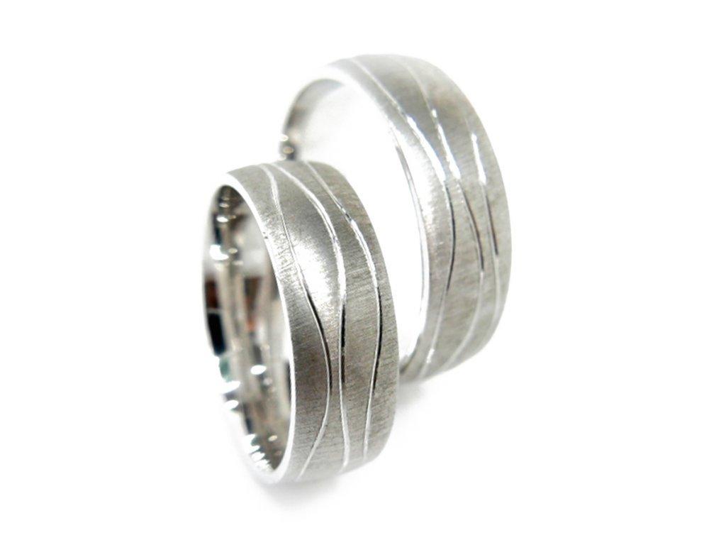 2936 1 zlate snubni prsteny